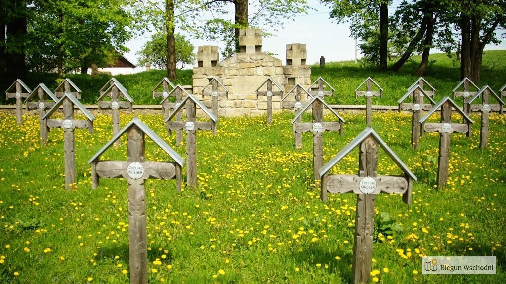 Zabytkowy cmentarz wojenny nr 3 w Ożennej