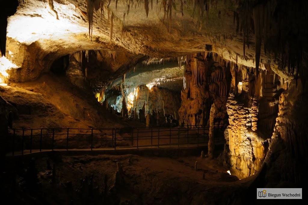 Postojnska Jama czyli Jaskinia Postojna w Słowenii, urlop na Bałkanach