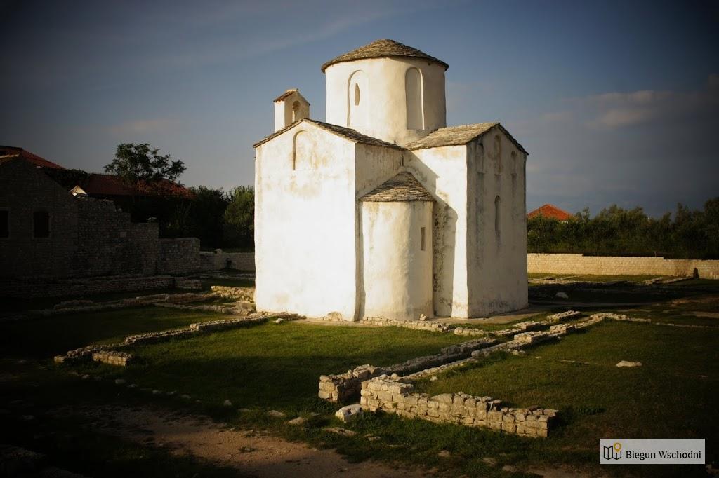 Atrakcje Chorwacji: Małe Perełki – Nin, Pag, Ston, Smiljan