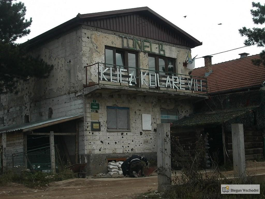 A building with the entrance to the tunnel. Now converted to a museum. Source: Wikipedia