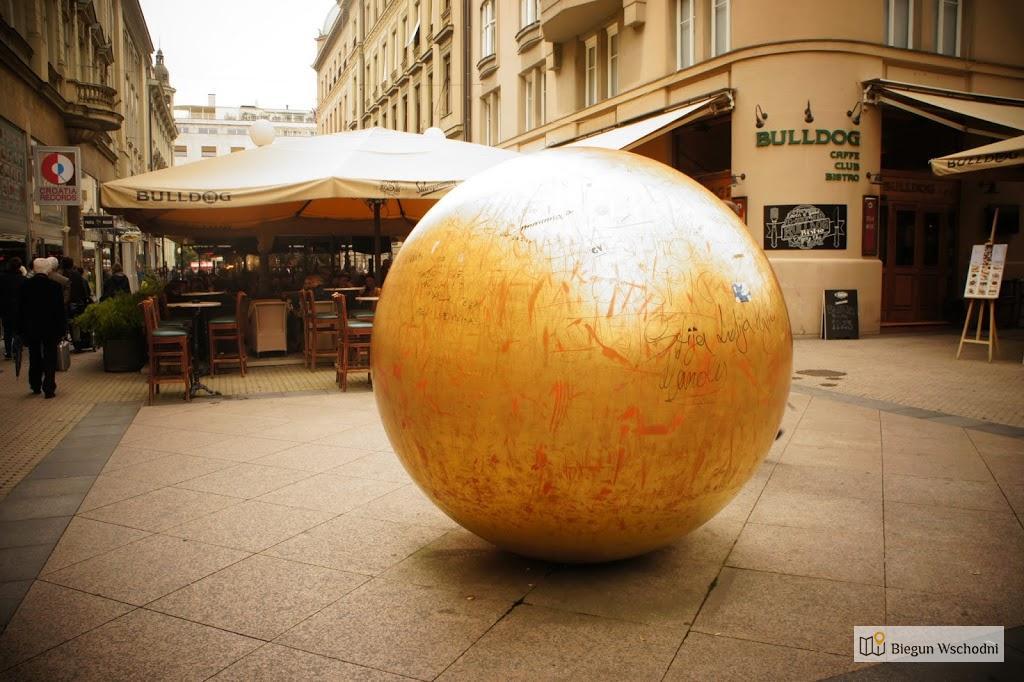 Atrakcje Zagrzebia: Słońce z brązu. Przykład sztuki nowoczesnej.