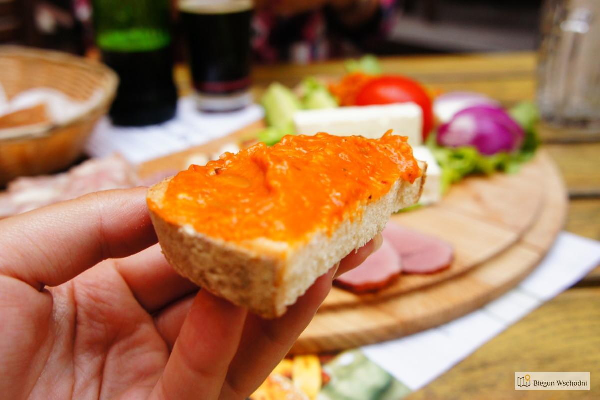 Co zjeść w Rumunii - zakuska - dodatek do kanapek