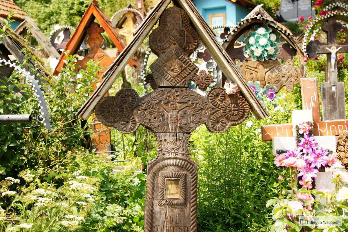 Marmarosz - drewniane rzeźbione nagrobki