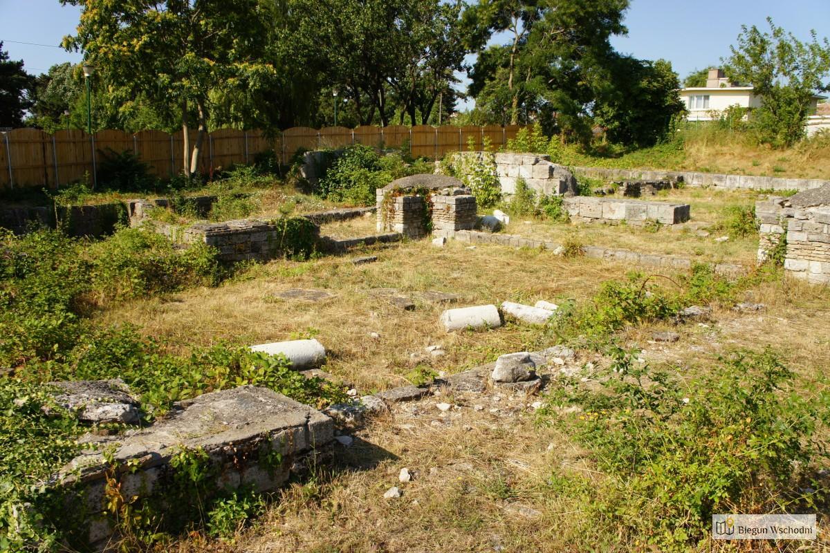 Ruiny starożytnej świątyni w Mangalii, Rumunia, Morze Czarne