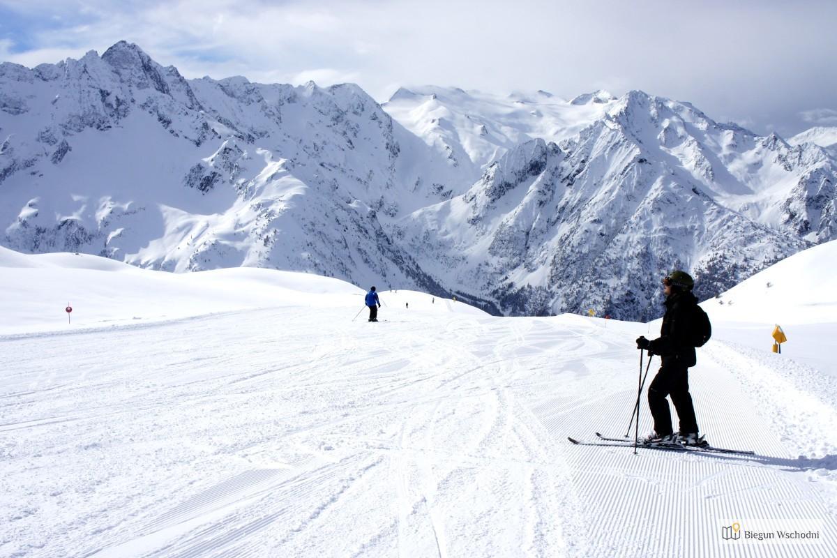 W Alpach na nartach, z biurem podróży