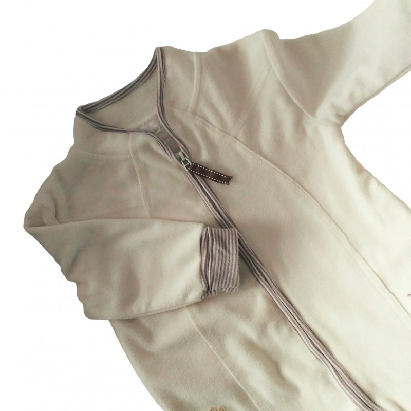 Noszenie dziecka zimą w chuście - polarowy pajac