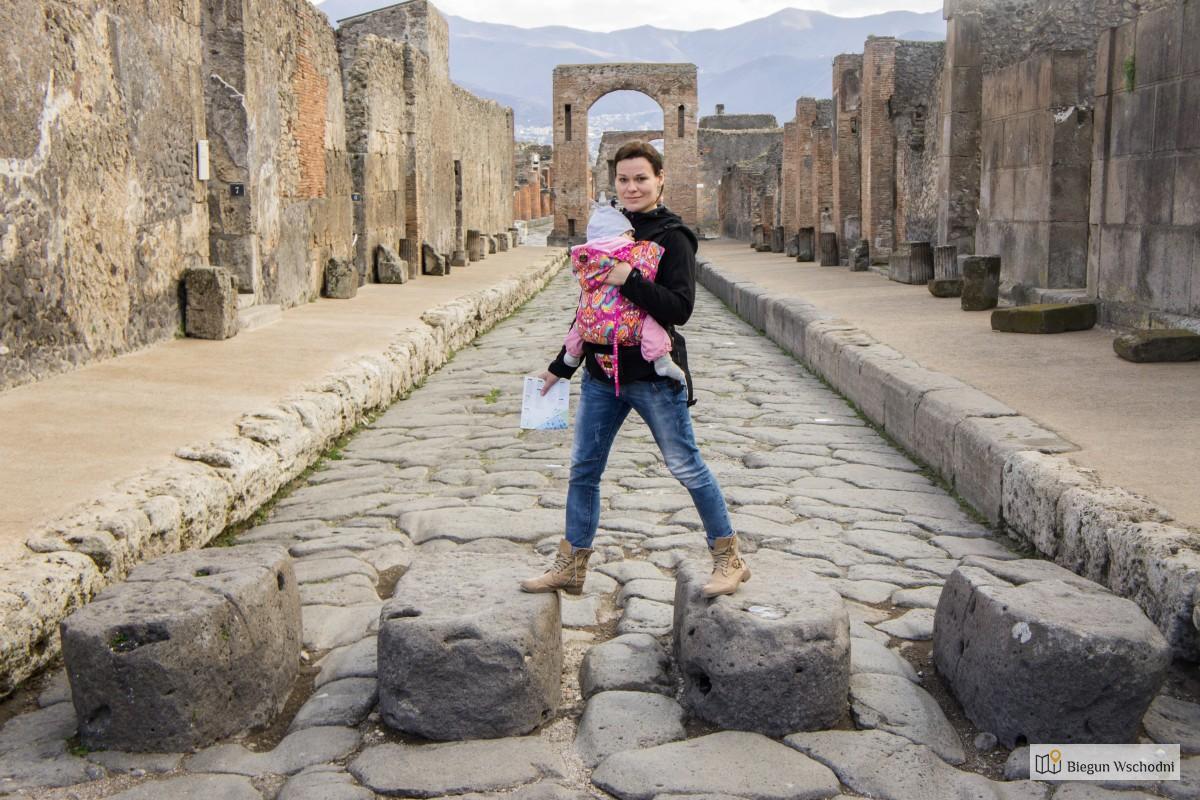 Pompeje - przewodnik, przejścia dla pieszych