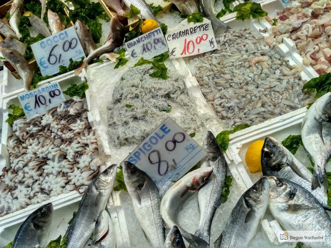 Neapol świeże owoce morza