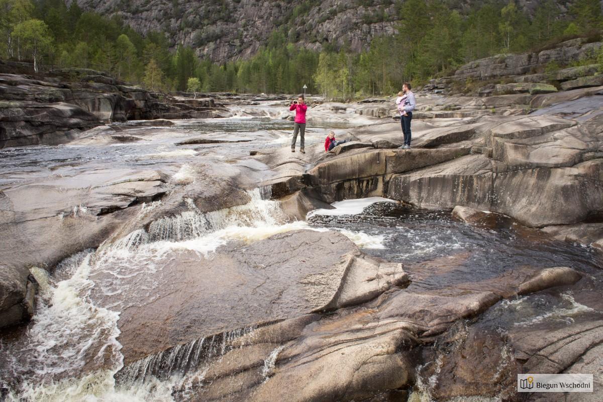 Co zobaczyć w Norwegii - Jettegrytene