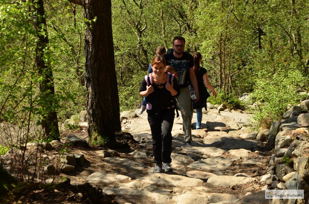 Atrakcje Norwegii - trekking na Preikestolen z dzieckiem