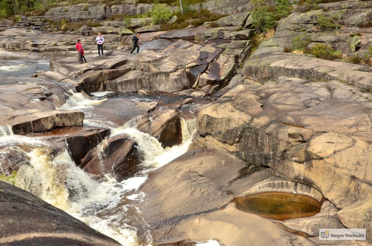 Atrakcje Norwegii - Jettegrytene. To warto zobaczyć