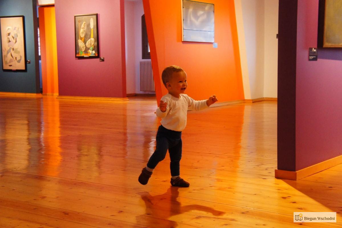 Podróż z niemowlakiem i małym dzieckiem - w muzeum