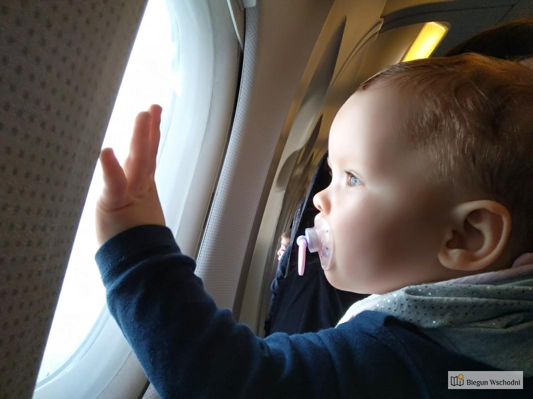 Podróż z niemowlakiem samolotem