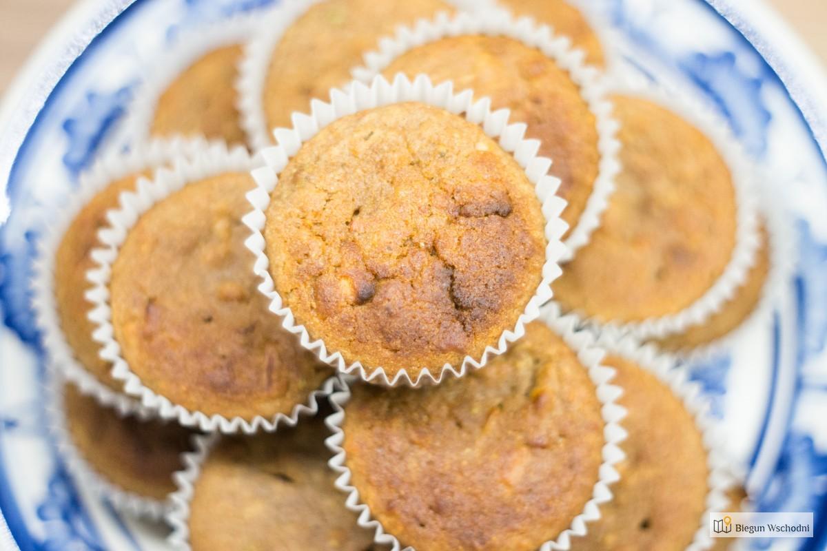 Zdrowe Przekąski Dla Dzieci. Korzenne Muffinki Orkiszowe Z Jabłkami