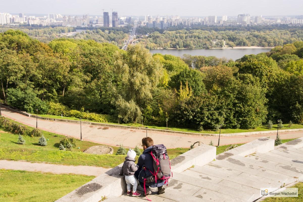 Weekend w Kojowie - pomnik nieznanego żołnierza - atrakcje Kijowa