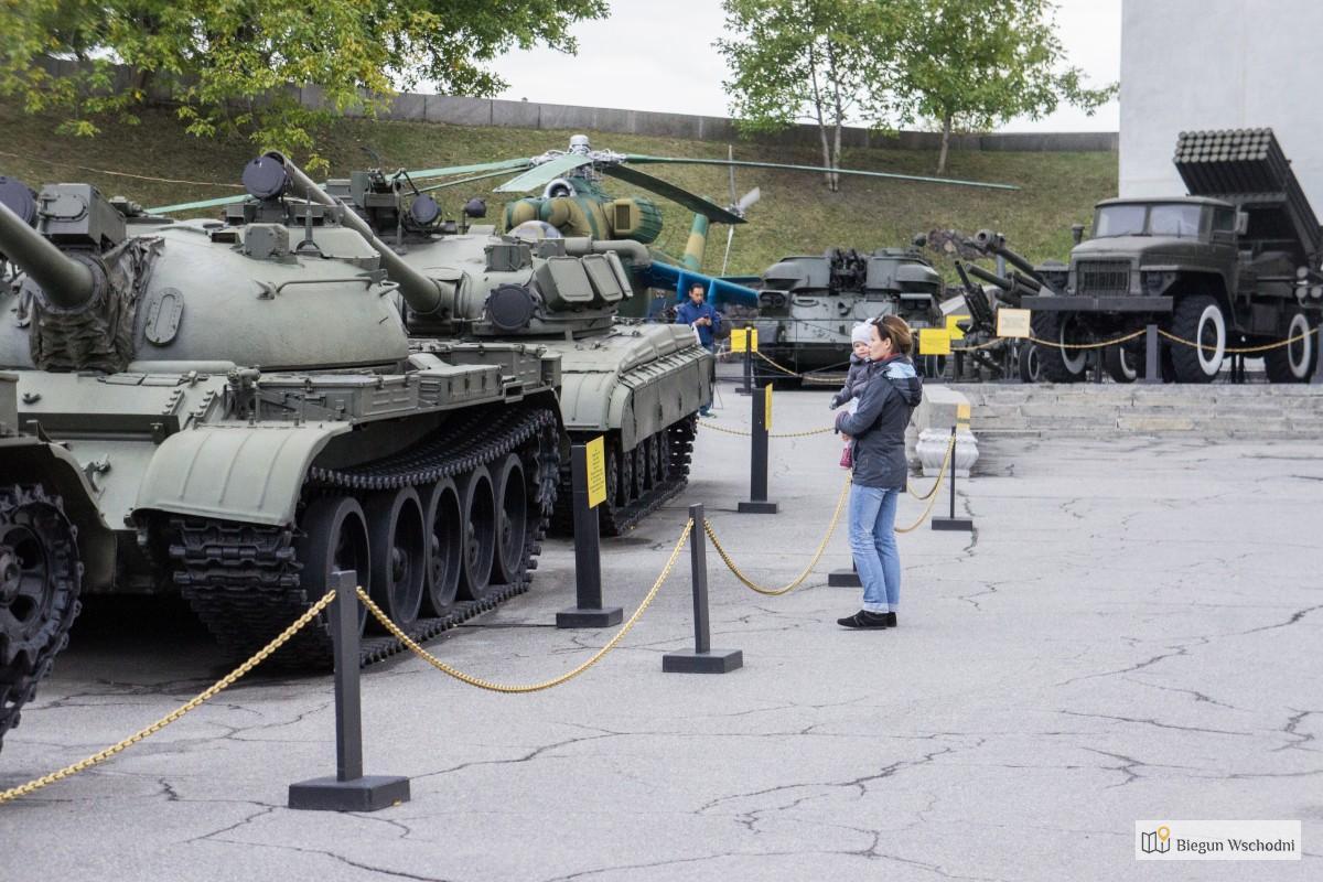 Największe atrakcje Kijowa - muzeum militarne